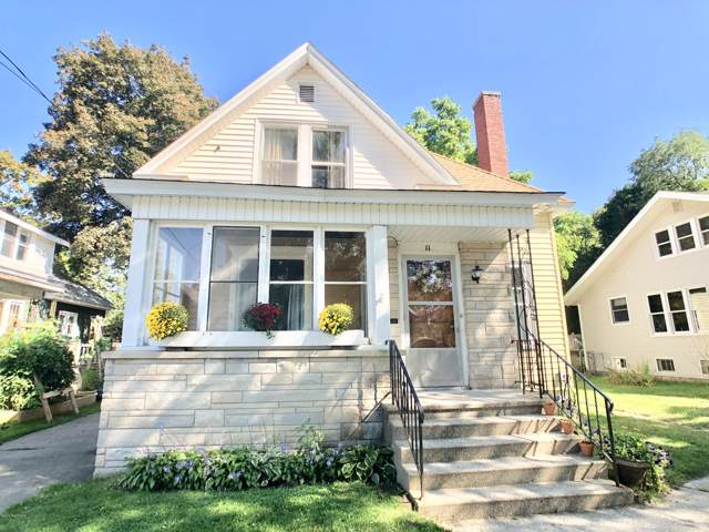 11 Lynn Court, Manistee, MI 49660 (MLS #19046298) :: Matt Mulder Home Selling Team