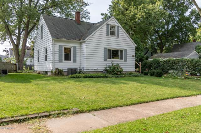 704 Comings Avenue, St. Joseph, MI 49085 (MLS #19046335) :: JH Realty Partners