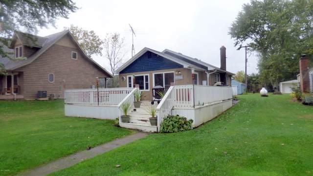 48692 Main Street, Lawrence, MI 49064 (MLS #19046547) :: Deb Stevenson Group - Greenridge Realty