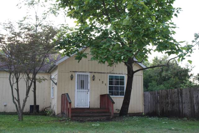 121 Irving Street, Belding, MI 48809 (MLS #19047666) :: Deb Stevenson Group - Greenridge Realty