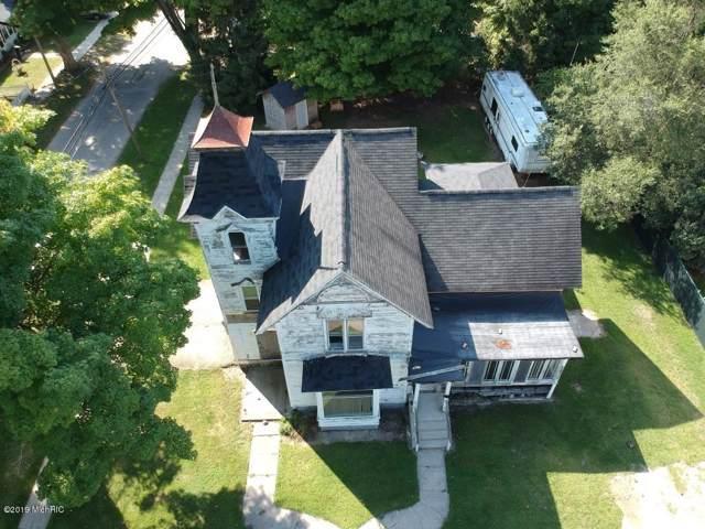 22 Franklin Street, Hartford, MI 49057 (MLS #19047743) :: Deb Stevenson Group - Greenridge Realty
