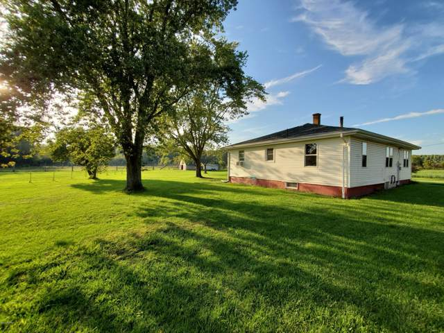9962 Holden Road, Baroda, MI 49101 (MLS #19047906) :: JH Realty Partners