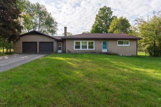 27915 Co Rd 375, Paw Paw, MI 49079 (MLS #19048422) :: Deb Stevenson Group - Greenridge Realty