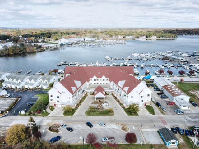 917 W Savidge Street #31, Spring Lake, MI 49456 (MLS #19048817) :: JH Realty Partners
