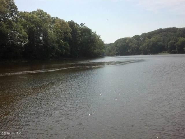 3100 River Road, Sodus, MI 49126 (MLS #19049394) :: Deb Stevenson Group - Greenridge Realty