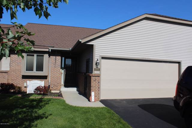 1777 Lakeview Drive, Zeeland, MI 49464 (MLS #19049606) :: JH Realty Partners