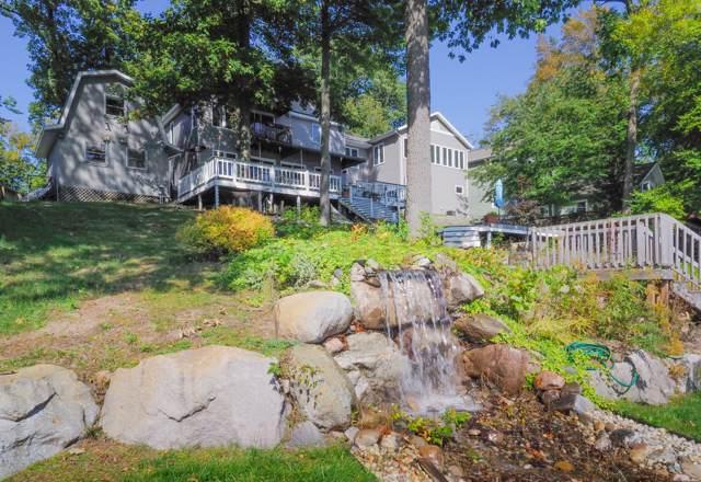 11751 Fords Point, Plainwell, MI 49080 (MLS #19049900) :: Matt Mulder Home Selling Team
