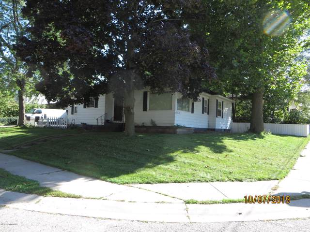 1728 Delwood Avenue SW, Wyoming, MI 49509 (MLS #19050092) :: JH Realty Partners