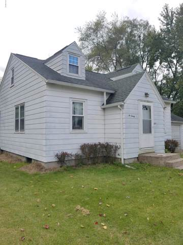 620 E Colfax Street, Hastings, MI 49058 (MLS #19050424) :: CENTURY 21 C. Howard