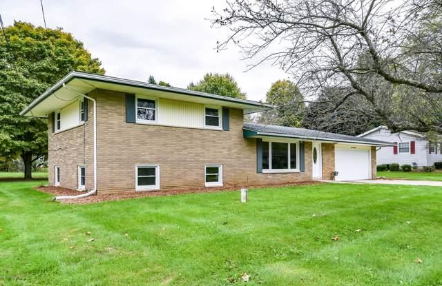 138 Brook Drive, Marshall, MI 49068 (MLS #19050440) :: Matt Mulder Home Selling Team