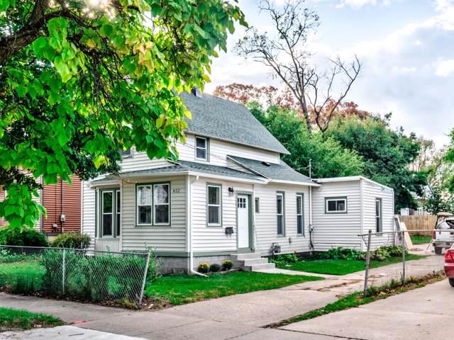 632 Thomas Street SE, Grand Rapids, MI 49503 (MLS #19050576) :: Matt Mulder Home Selling Team