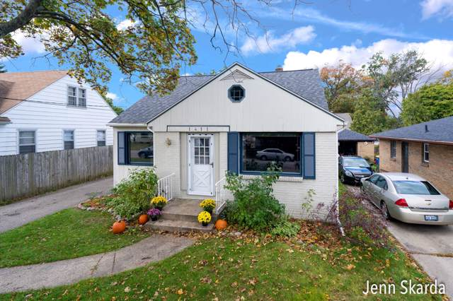 1411 Hillcrest Avenue NW, Grand Rapids, MI 49504 (MLS #19050609) :: Matt Mulder Home Selling Team