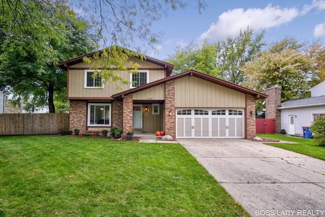 4245 Holyoke Drive SE, Grand Rapids, MI 49508 (MLS #19050610) :: Matt Mulder Home Selling Team