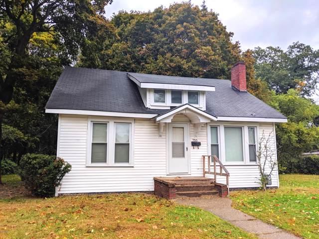 755 Territorial Road, Benton Harbor, MI 49022 (MLS #19050685) :: CENTURY 21 C. Howard