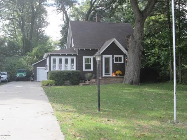 547 Ridge Avenue, Spring Lake, MI 49456 (MLS #19050778) :: Deb Stevenson Group - Greenridge Realty