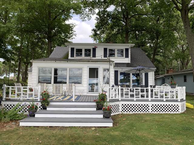 8990 E Long Lake Drive, Portage, MI 49002 (MLS #19050974) :: CENTURY 21 C. Howard