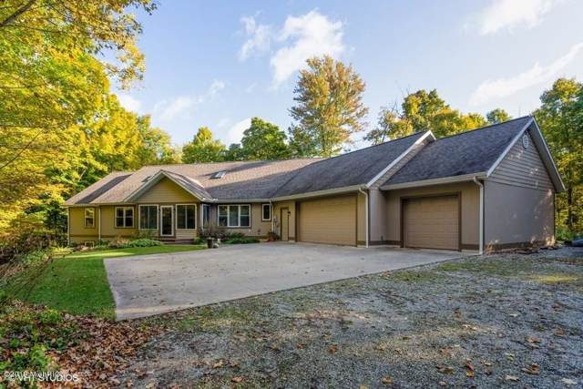19127 Pardee Road, Galien, MI 49113 (MLS #19050988) :: JH Realty Partners