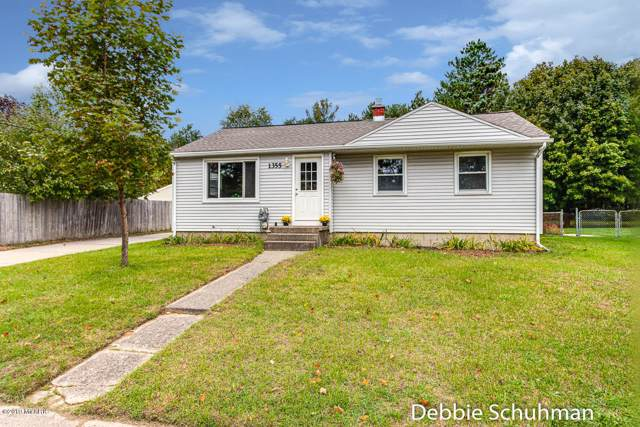 1355 Mark Street NE, Grand Rapids, MI 49525 (MLS #19051035) :: CENTURY 21 C. Howard
