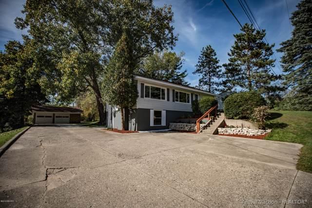 4657 Wakefield Avenue NE, Comstock Park, MI 49321 (MLS #19051348) :: Matt Mulder Home Selling Team
