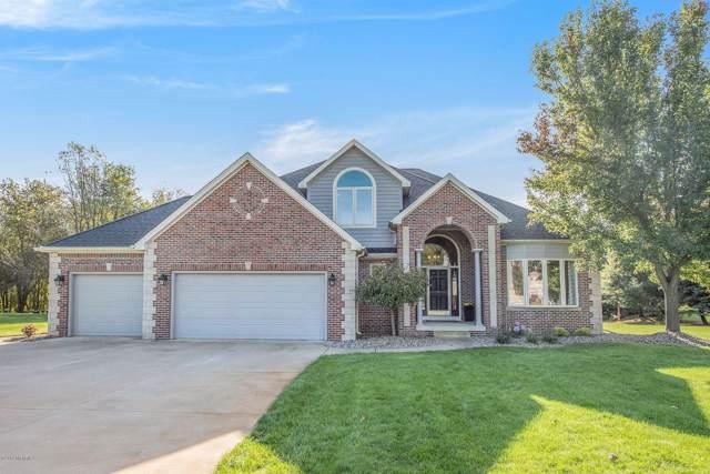 239 Minges Hills Drive, Battle Creek, MI 49015 (MLS #19051382) :: Matt Mulder Home Selling Team