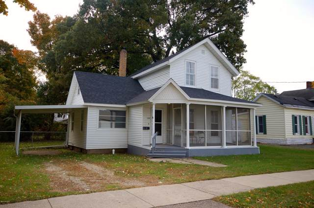 124 Hillsborough Street, Hartford, MI 49057 (MLS #19051780) :: Deb Stevenson Group - Greenridge Realty