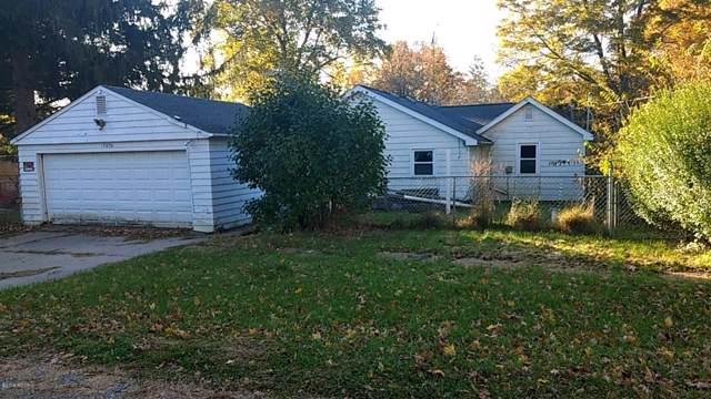 13896 Whitelawn Avenue, Fulton, MI 49052 (MLS #19051808) :: Deb Stevenson Group - Greenridge Realty