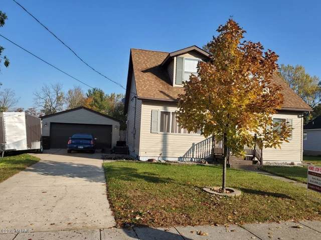 187 Washington Street, Saranac, MI 48881 (MLS #19052532) :: Deb Stevenson Group - Greenridge Realty