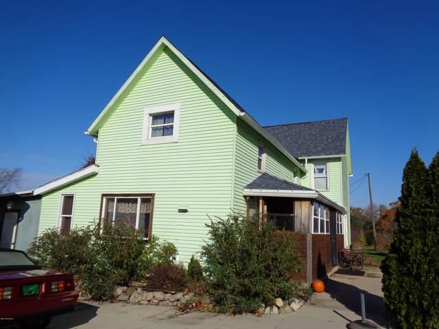 444 Biastock Road, Benton Harbor, MI 49022 (MLS #19053302) :: Deb Stevenson Group - Greenridge Realty
