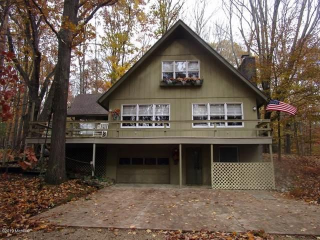 10710 Shawnee Trail, Canadian Lakes, MI 49346 (MLS #19053818) :: JH Realty Partners
