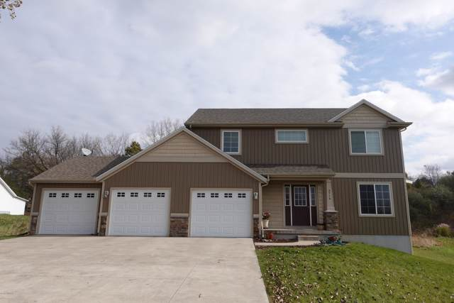 3716 Thornapple River Drive SE, Grand Rapids, MI 49546 (MLS #19053923) :: JH Realty Partners