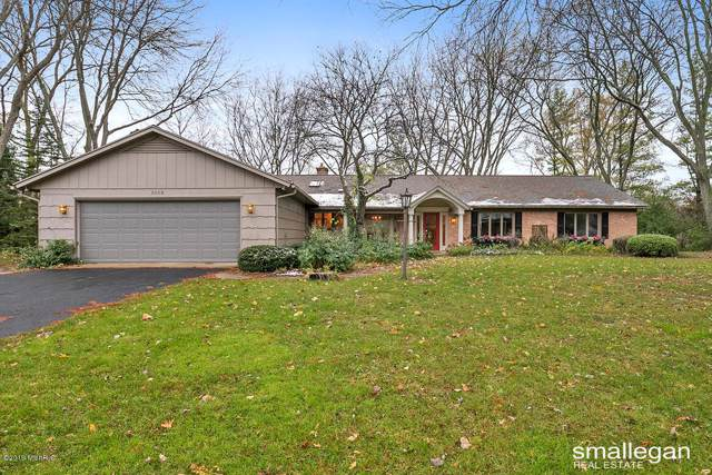 3132 Southshire Drive SE, East Grand Rapids, MI 49506 (MLS #19054049) :: JH Realty Partners