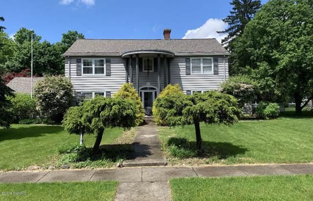 400 Cottage Street, Sturgis, MI 49091 (MLS #19054562) :: Deb Stevenson Group - Greenridge Realty