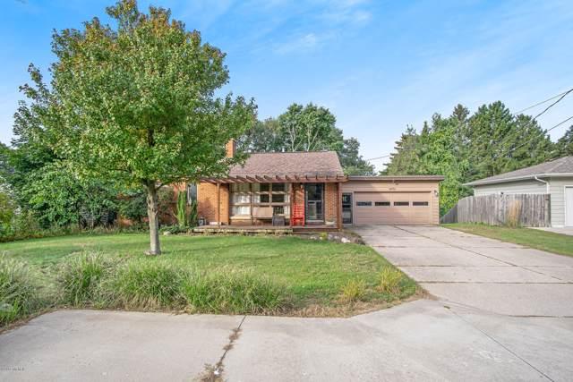 14701 Lakeshore Drive, Grand Haven, MI 49417 (MLS #19054645) :: Deb Stevenson Group - Greenridge Realty