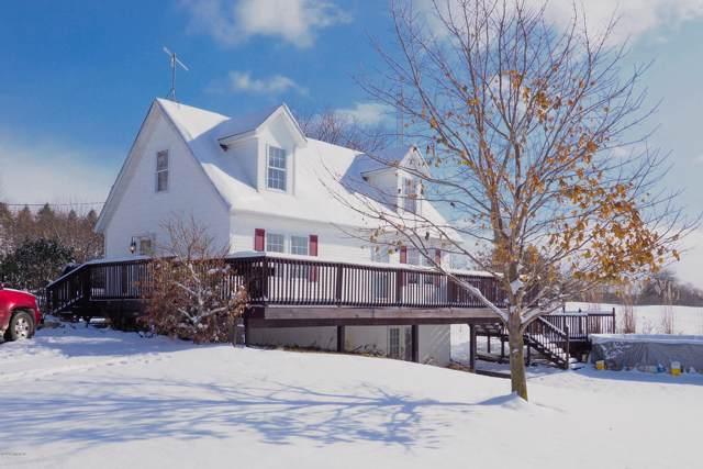 2081 16th Street, Hopkins, MI 49328 (MLS #19054771) :: Matt Mulder Home Selling Team