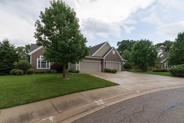 8675 Oakland Hills Circle, Portage, MI 49024 (MLS #19054784) :: Matt Mulder Home Selling Team