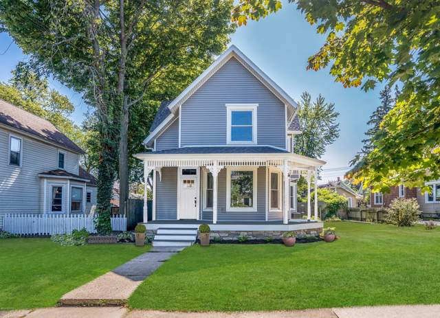 824 Wisconsin Avenue, St. Joseph, MI 49085 (MLS #19054796) :: Deb Stevenson Group - Greenridge Realty