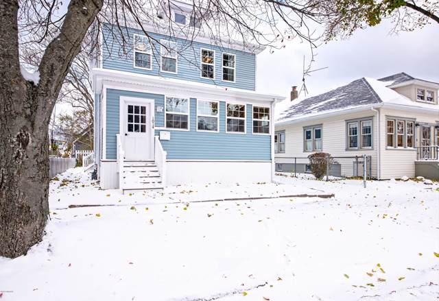 1014 Court Street, St. Joseph, MI 49085 (MLS #19054890) :: Deb Stevenson Group - Greenridge Realty