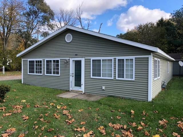 24815 Wayne Street, Dowagiac, MI 49047 (MLS #19054945) :: Deb Stevenson Group - Greenridge Realty
