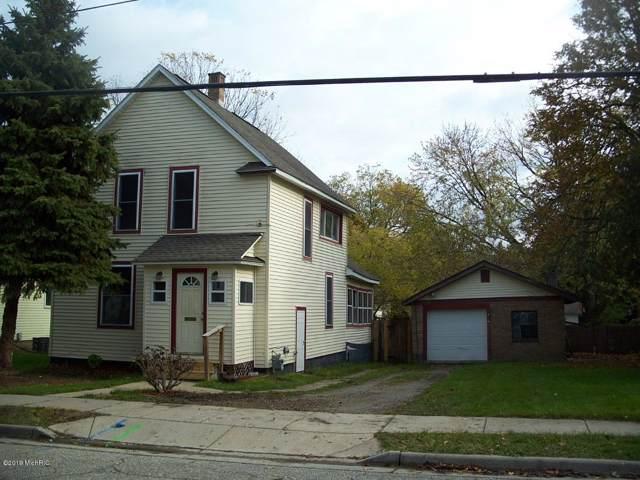 652 Garfield Avenue NW, Grand Rapids, MI 49504 (MLS #19054969) :: JH Realty Partners