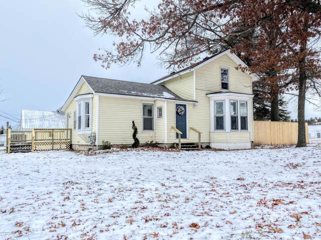 132 S Dekrafft Avenue, Big Rapids, MI 49307 (MLS #19054971) :: Deb Stevenson Group - Greenridge Realty