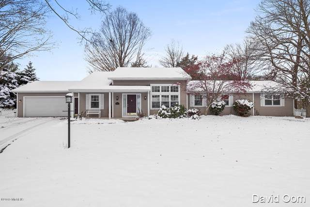 3031 Thorncrest Drive SE, Grand Rapids, MI 49546 (MLS #19055013) :: JH Realty Partners