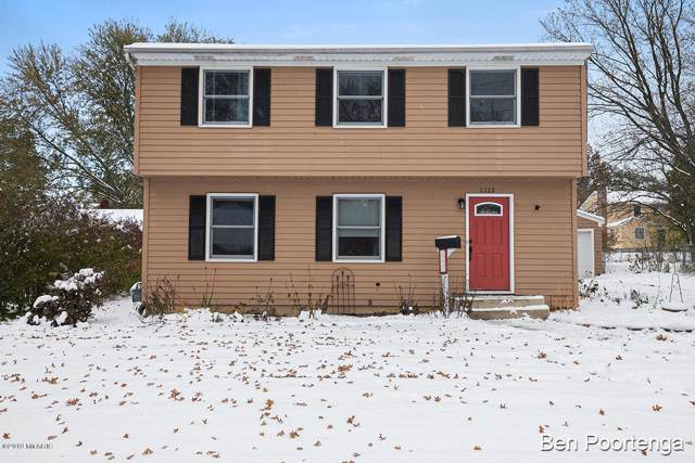 2332 Rosewood Avenue SE, Grand Rapids, MI 49506 (MLS #19055022) :: Deb Stevenson Group - Greenridge Realty