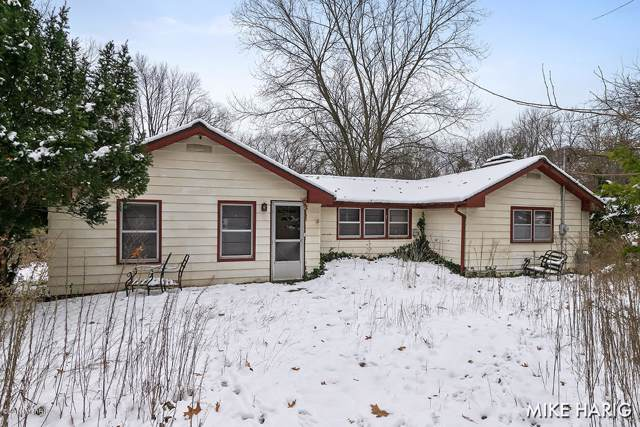 5670 Hall Street SE, Grand Rapids, MI 49546 (MLS #19055084) :: JH Realty Partners