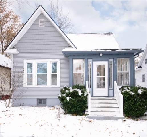 819 Michigan Avenue, St. Joseph, MI 49085 (MLS #19055136) :: Deb Stevenson Group - Greenridge Realty