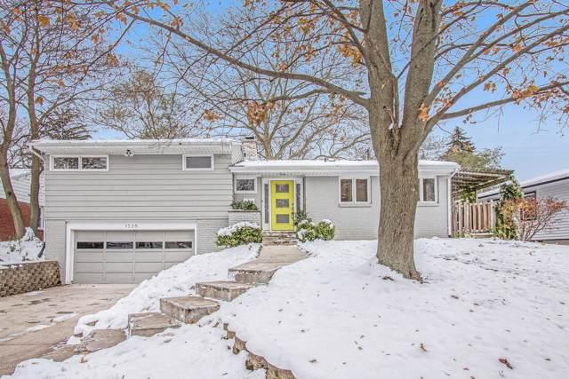 1526 Sherwood Avenue SE, East Grand Rapids, MI 49506 (MLS #19055153) :: CENTURY 21 C. Howard