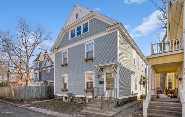 238 Oakley Place NE, Grand Rapids, MI 49503 (MLS #19055182) :: JH Realty Partners