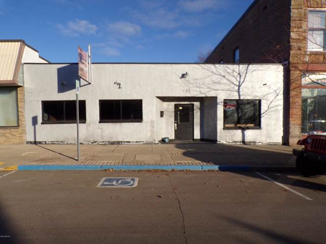 135 S Broadway Street, Cassopolis, MI 49031 (MLS #19056096) :: JH Realty Partners