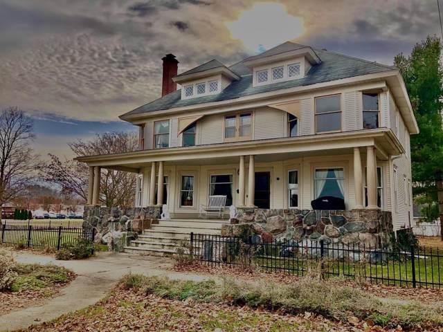 203 Main Street, Dowagiac, MI 49047 (MLS #19056312) :: Deb Stevenson Group - Greenridge Realty