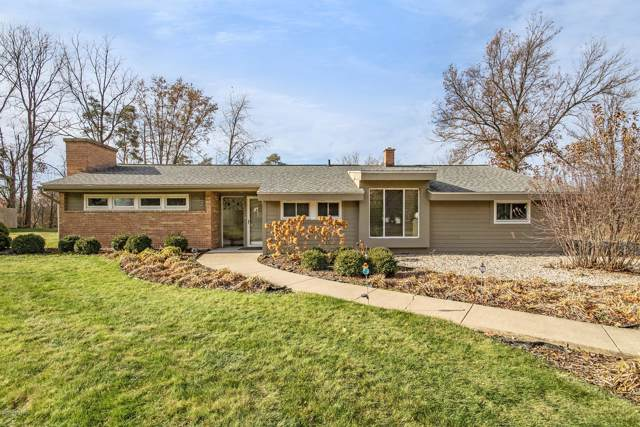 245 Manhattan Road SE, East Grand Rapids, MI 49506 (MLS #19056569) :: Deb Stevenson Group - Greenridge Realty