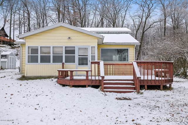 2278 N East Lake Drive, Hopkins, MI 49328 (MLS #19056775) :: Deb Stevenson Group - Greenridge Realty